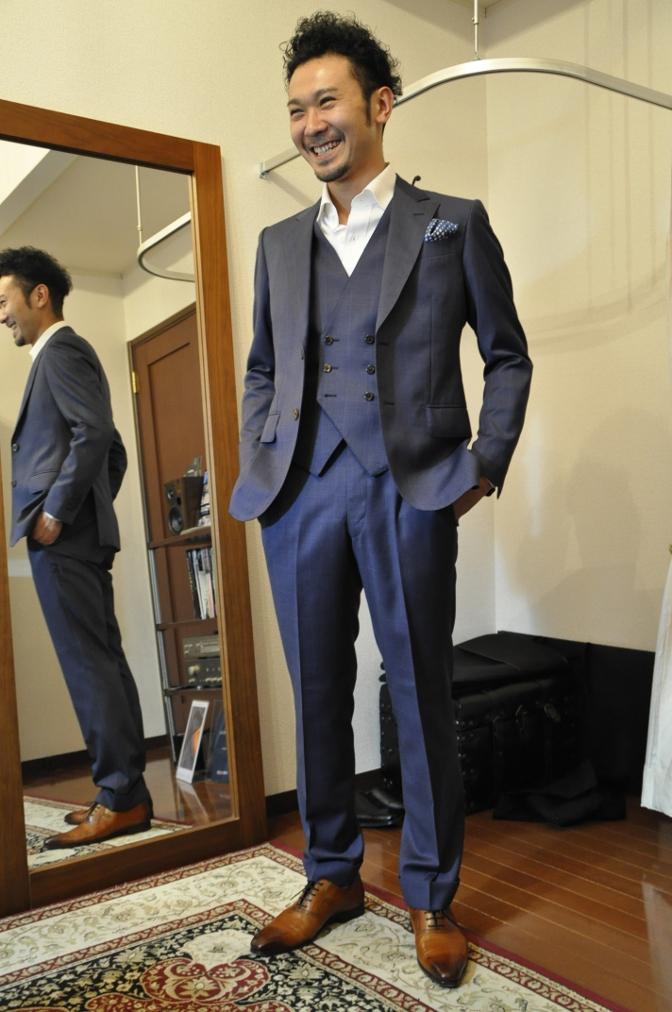DSC2474 お客様のスーツの紹介- BIELLESI ネイビーチェックスリーピース-