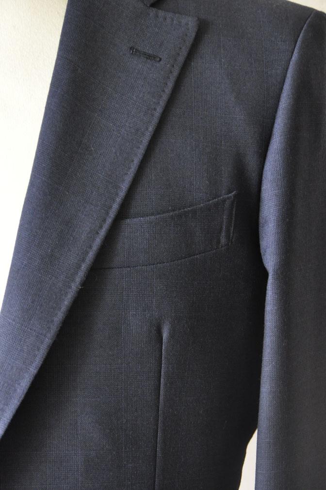 DSC2475 お客様のスーツの紹介-御幸毛織ネイビーチェックスーツ-