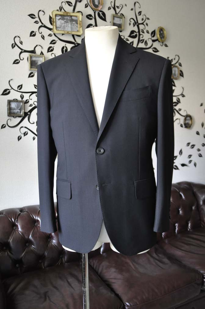 DSC2479-1 お客様のスーツの紹介-御幸毛織 ダークネイビースーツ-