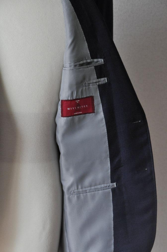 DSC24811 お客様のスーツの紹介-御幸毛織ネイビーチェックスーツ-