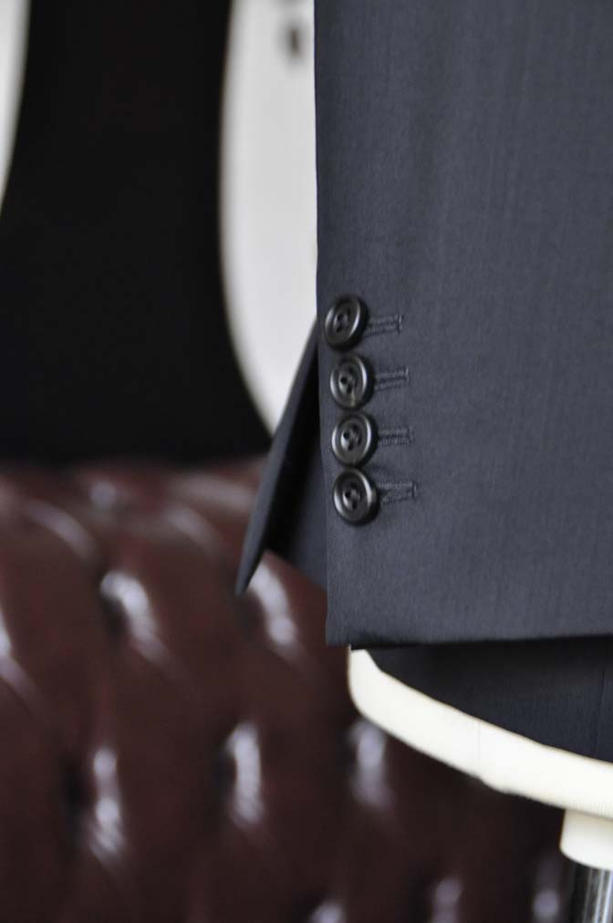 DSC2486 お客様のスーツの紹介-御幸毛織 ダークネイビースーツ-