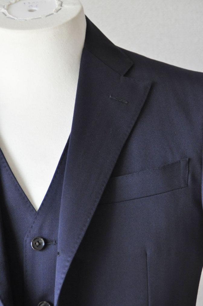 DSC24891 お客様のスーツの紹介-御幸毛織 ネイビーヘリンボーン スリーピース - 名古屋の完全予約制オーダースーツ専門店DEFFERT