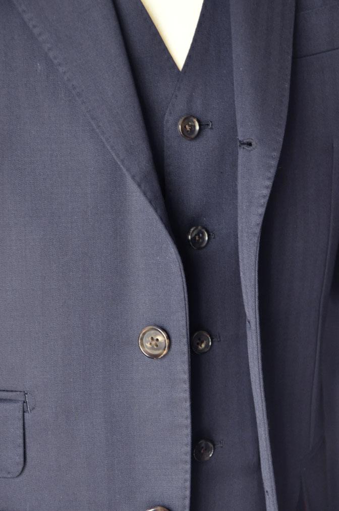 DSC24922 お客様のスーツの紹介-御幸毛織 ネイビーヘリンボーン スリーピース - 名古屋の完全予約制オーダースーツ専門店DEFFERT