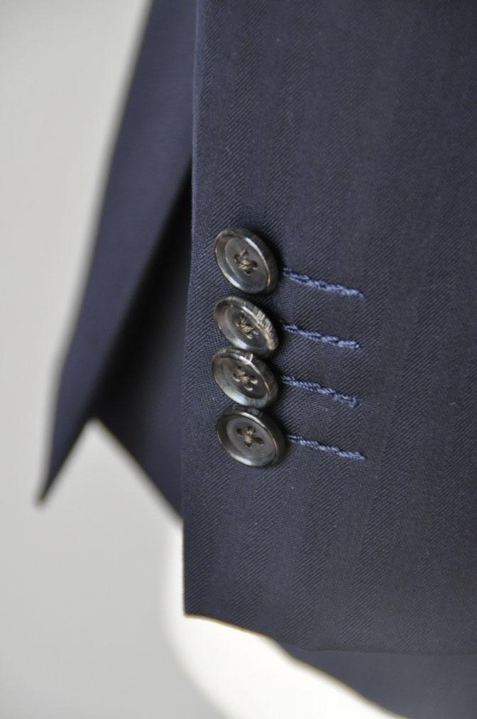 DSC24942 お客様のスーツの紹介-御幸毛織 ネイビーヘリンボーン スリーピース - 名古屋の完全予約制オーダースーツ専門店DEFFERT
