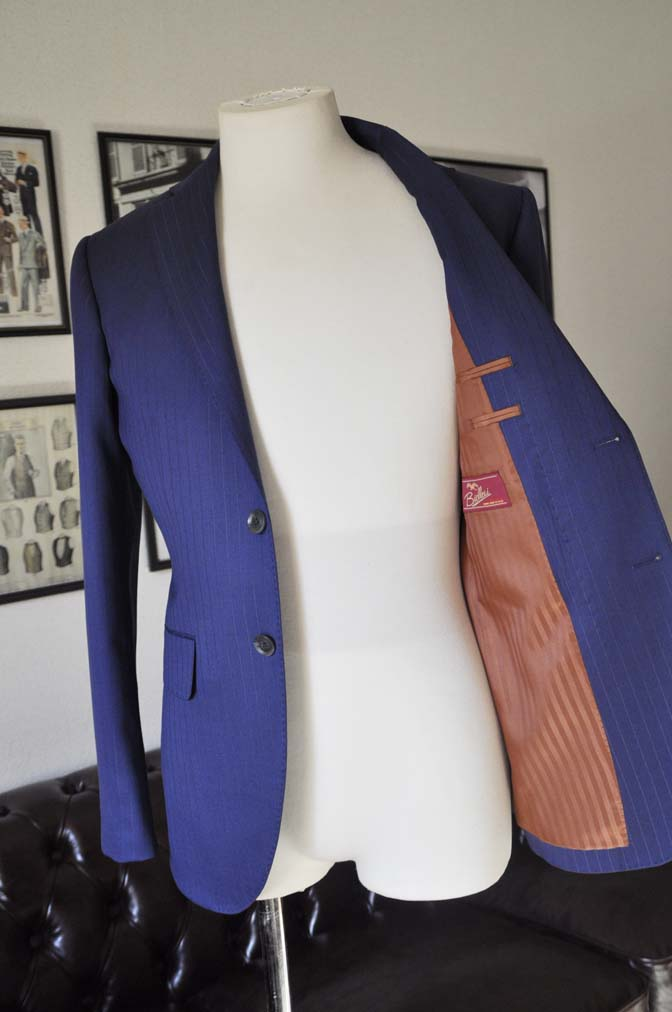 DSC2507-1 お客様のスーツの紹介- Biellesi ネイビーストライプ-