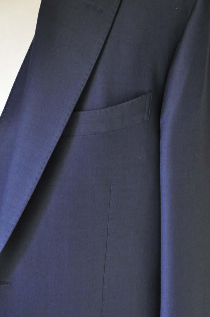 DSC25232 お客様のスーツの紹介- CANONICO 無地ネイビースリーピース- 名古屋の完全予約制オーダースーツ専門店DEFFERT