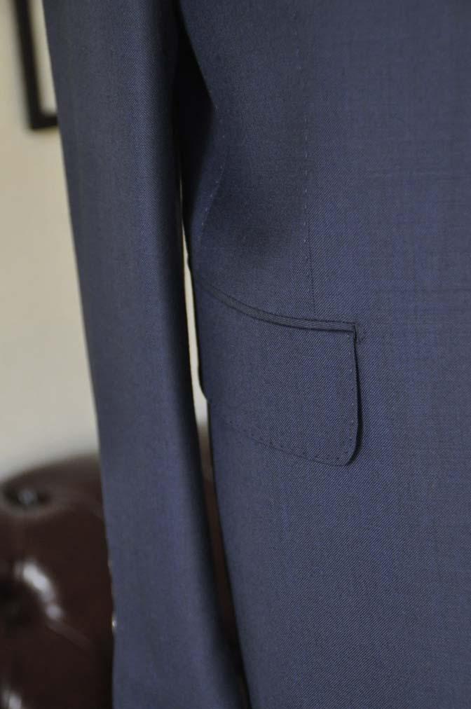 DSC2527 お客様のスーツの紹介- CANONICO 無地ネイビースリーピース- 名古屋の完全予約制オーダースーツ専門店DEFFERT