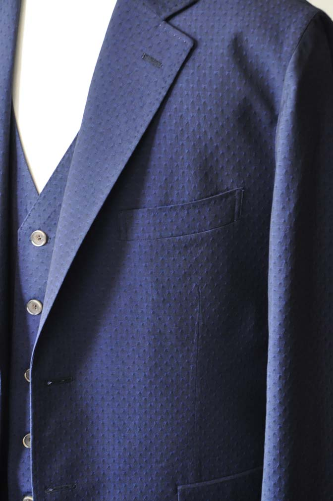DSC2531-1 お客様のウエディング衣装の紹介- Collezioni Biellesi無地ネイビー短パンスリーピース-
