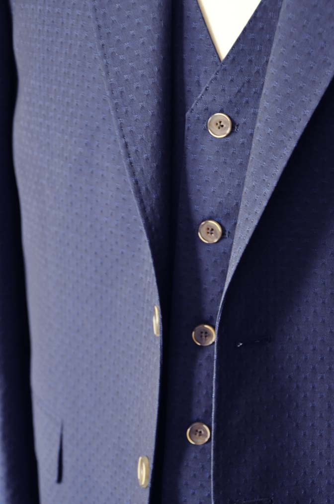 DSC2532-1 お客様のウエディング衣装の紹介- Collezioni Biellesi無地ネイビー短パンスリーピース-