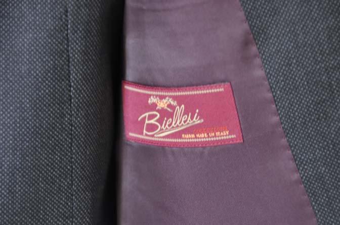 DSC25381 お客様のスーツの紹介- Biellesi グレーバーズアイ スリーピース-