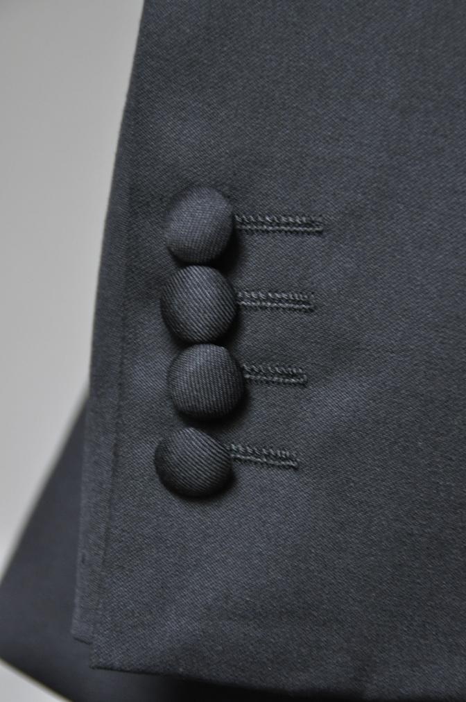 DSC2542 お客様のウエディング衣装の紹介-BIELLESI無地ブラックスーツ グレーチェックベスト ニュージーランドウエディング-