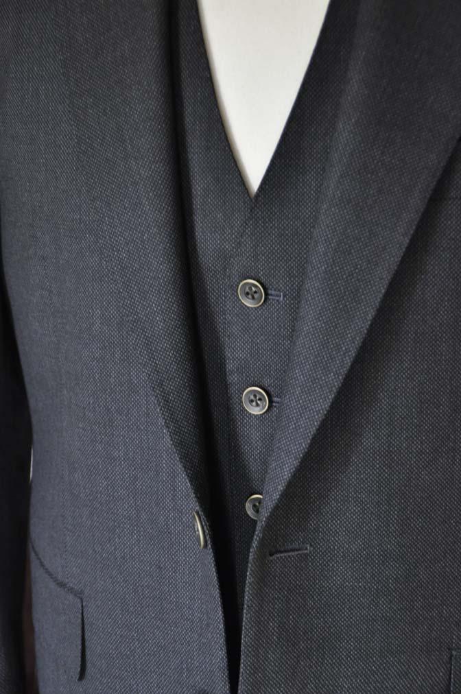 DSC25421 お客様のスーツの紹介- Biellesi グレーバーズアイ スリーピース-