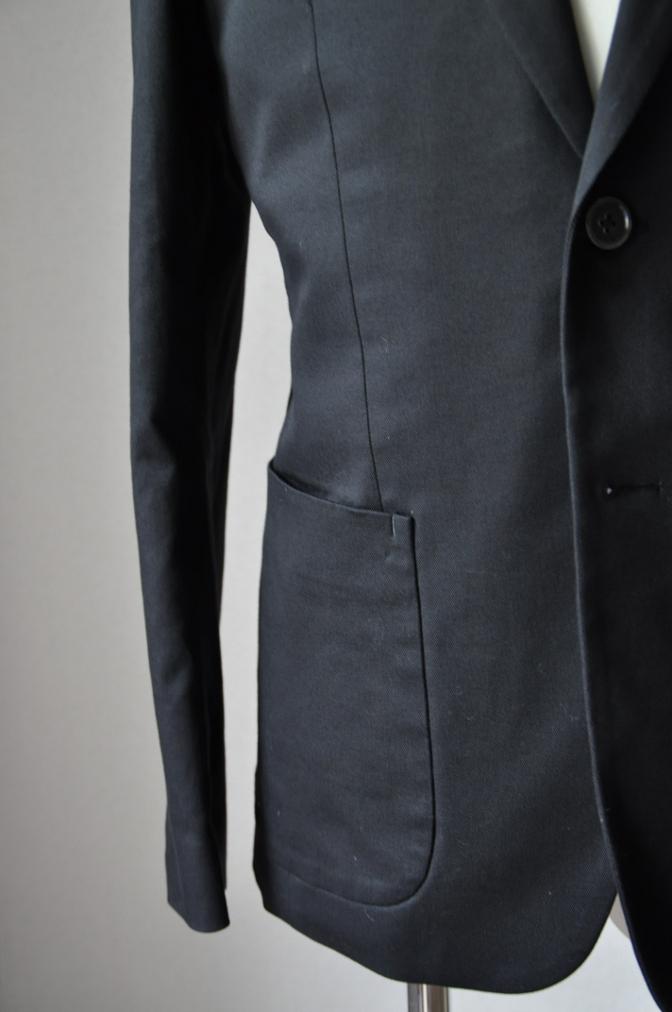 DSC25712 お客様のスーツの紹介- 無地ブラックコットンストレッチスーツ-