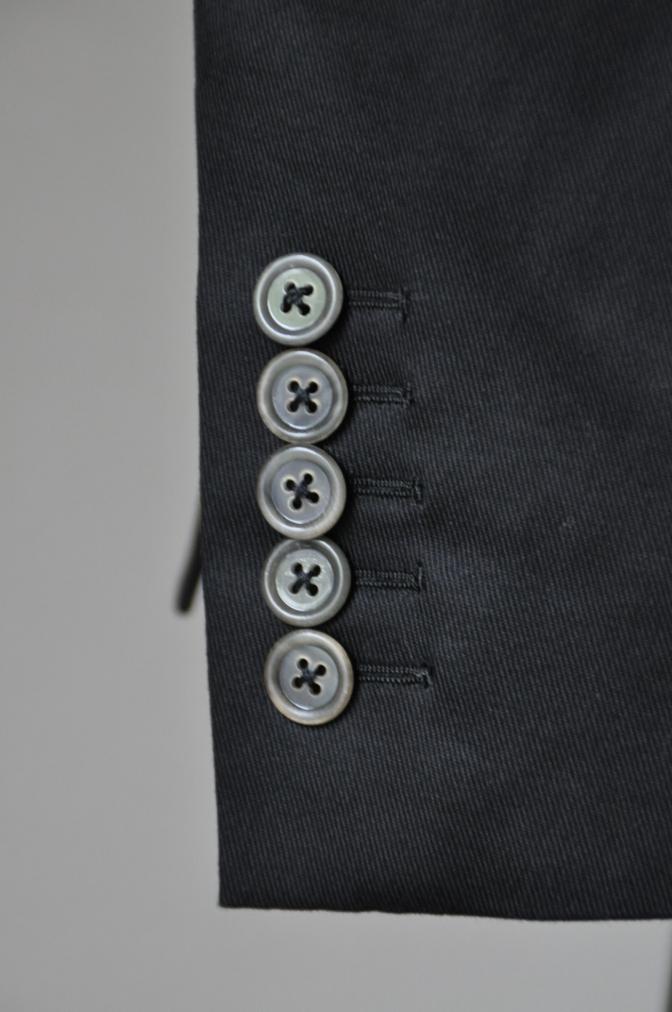 DSC25733 お客様のスーツの紹介- 無地ブラックコットンストレッチスーツ-