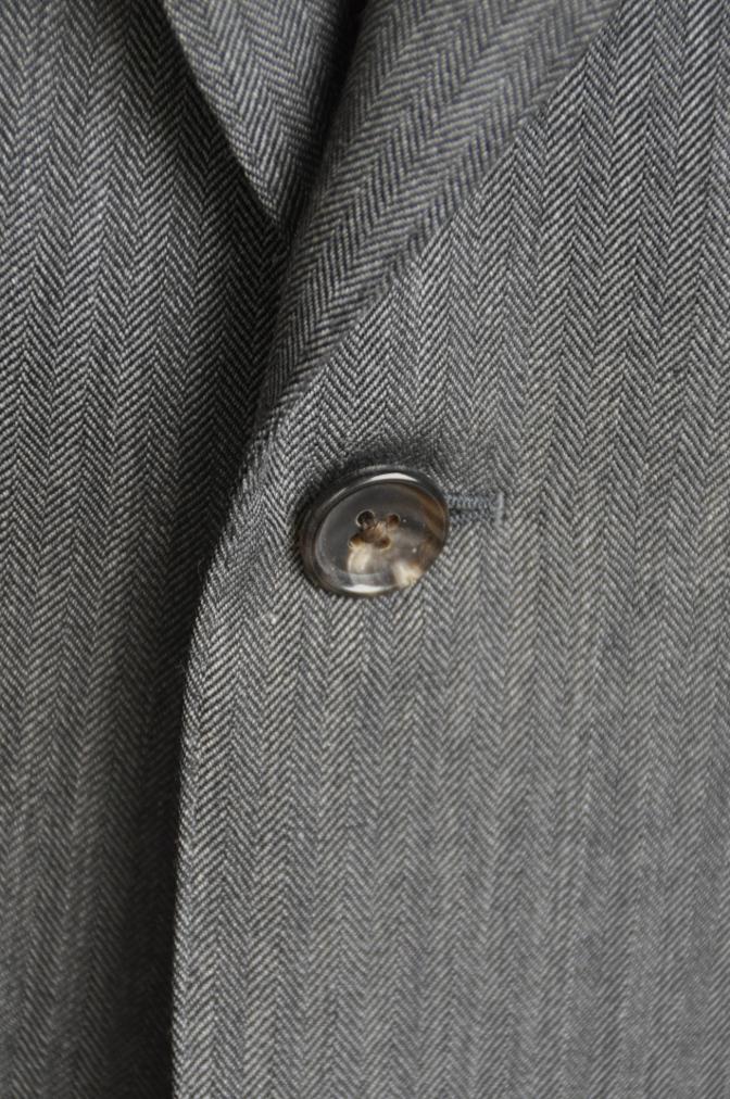 DSC25751 お客様のスーツの紹介-DARROW DALE チャコールグレーヘリンボーン-
