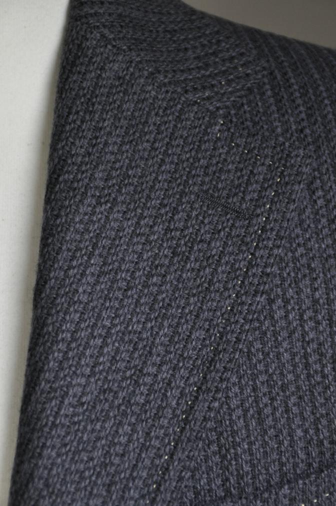 DSC2592 オーダージャケットの紹介-御幸毛織 グレーニットジャケット-