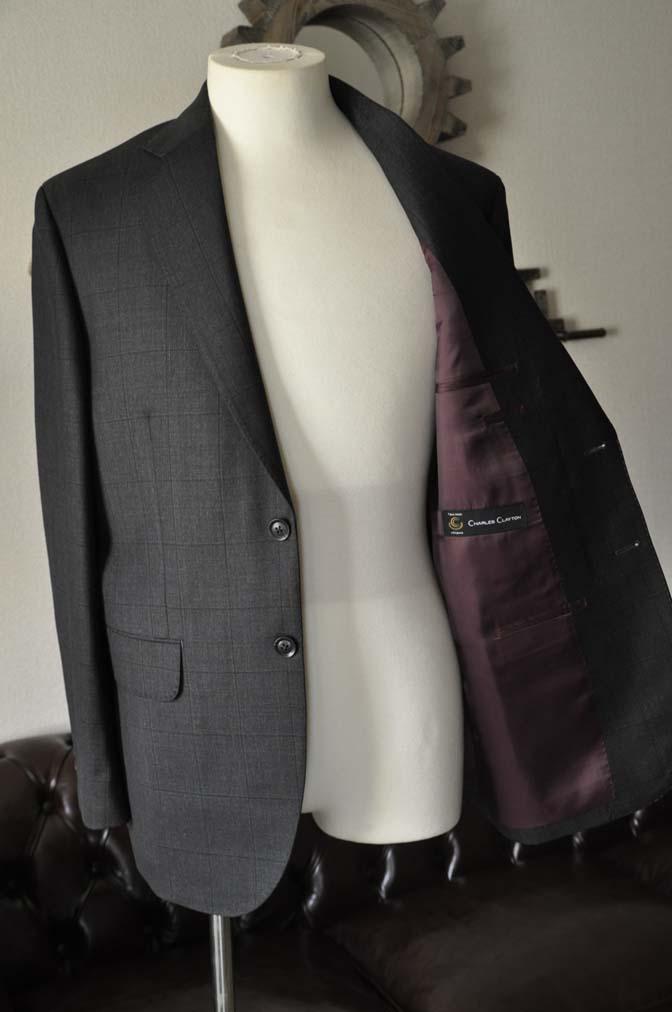 DSC26063 お客様のスーツの紹介- Charles Clayton グレーウィンドペン-