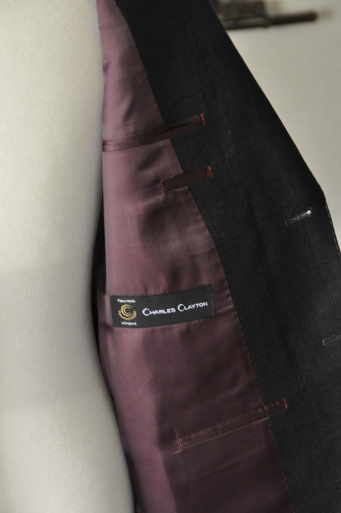 DSC26072-680x1024 お客様のスーツの紹介- Charles Clayton グレーウィンドペン-
