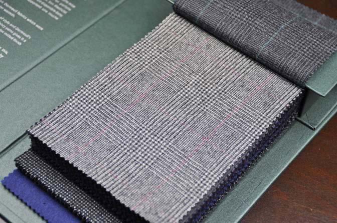 DSC2614-1 2018AW 生地バンチ入荷   「DORMEUIL –British Collection-」 名古屋の完全予約制オーダースーツ専門店DEFFERT