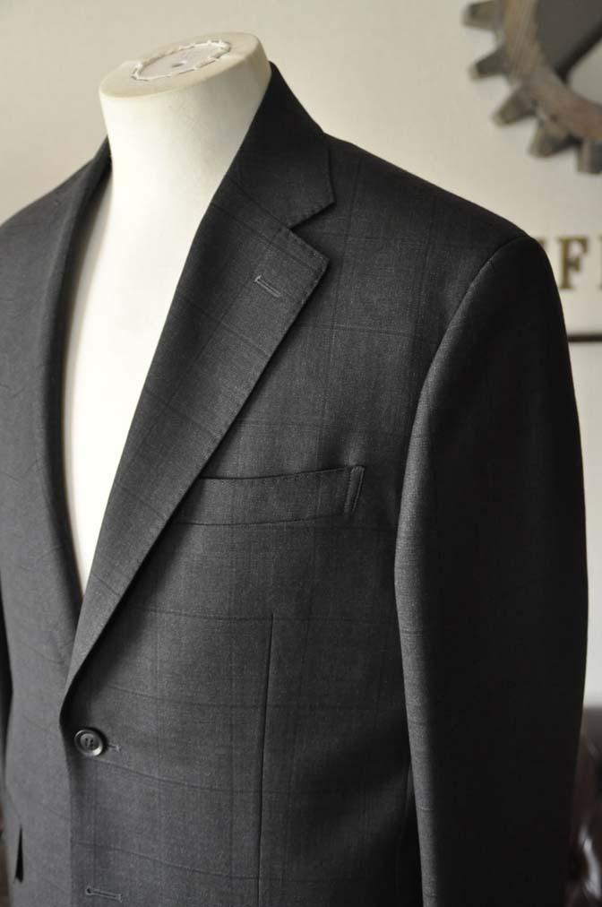 DSC26153 お客様のスーツの紹介- Charles Clayton グレーウィンドペン-