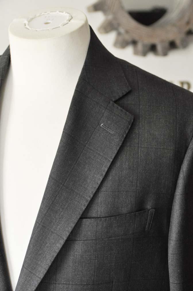 DSC26162 お客様のスーツの紹介- Charles Clayton グレーウィンドペン-