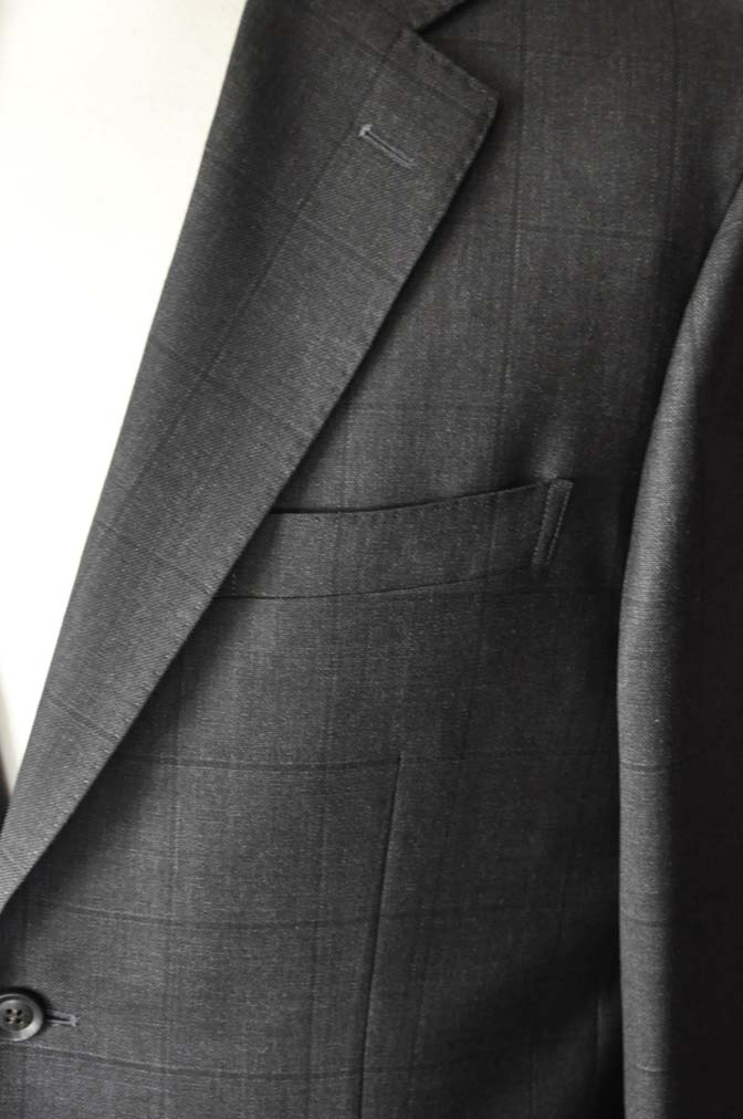 DSC26172 お客様のスーツの紹介- Charles Clayton グレーウィンドペン-