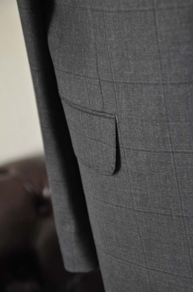 DSC26192 お客様のスーツの紹介- Charles Clayton グレーウィンドペン-