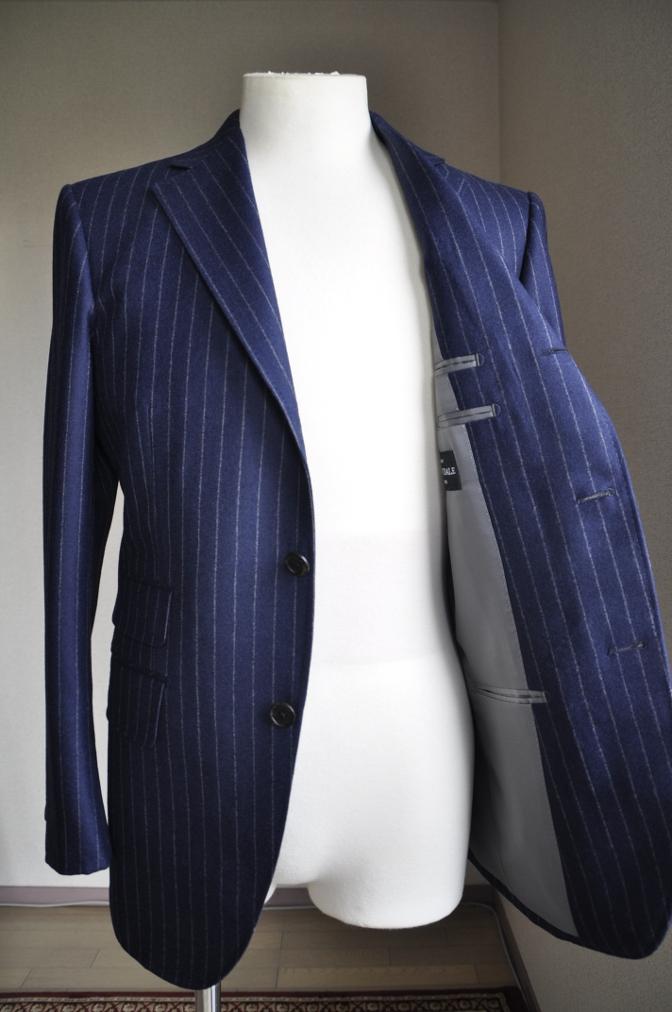 DSC26231 お客様のスーツの紹介-DARROW DALE ネイビーフランネルストライプ-