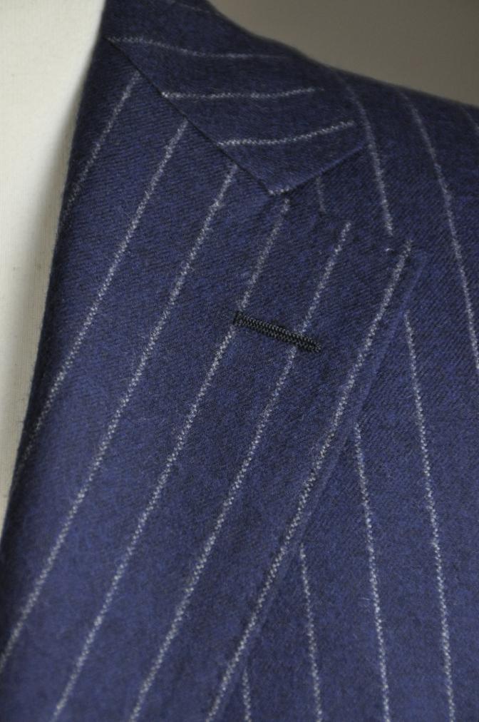 DSC26251 お客様のスーツの紹介-DARROW DALE ネイビーフランネルストライプ-