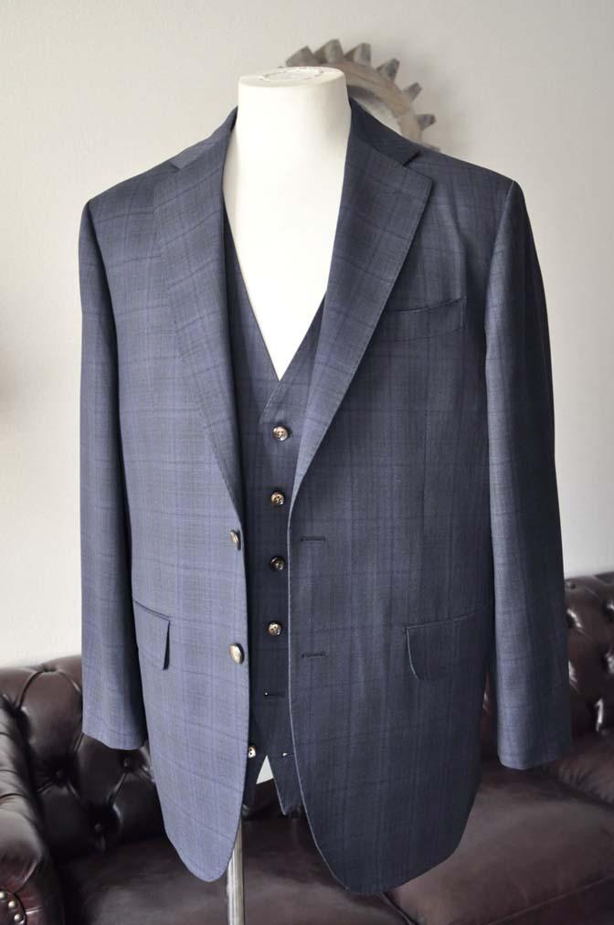 DSC2629-1 お客様のスーツの紹介- Biellesi ネイビーチェックスリーピース-