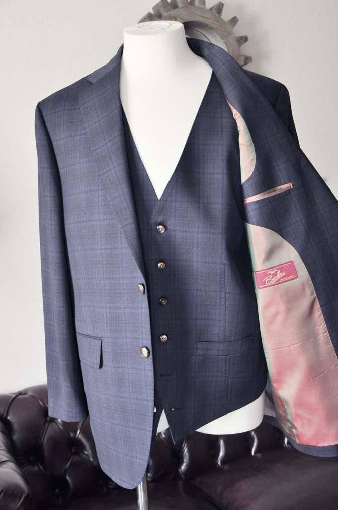 DSC2631-1 お客様のスーツの紹介- Biellesi ネイビーチェックスリーピース-
