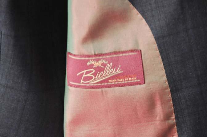 DSC2633-1 お客様のスーツの紹介- Biellesi ネイビーチェックスリーピース-