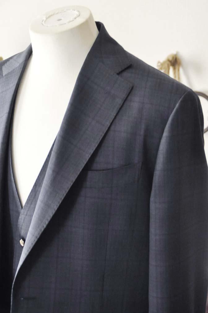 DSC2634-1 お客様のスーツの紹介- Biellesi ネイビーチェックスリーピース-