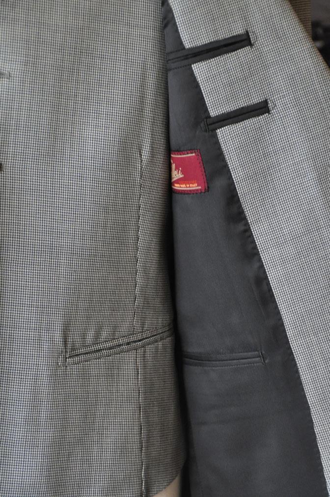 DSC26432 お客様のスーツの紹介-Biellesi グレー千鳥格子スリーピース- 名古屋の完全予約制オーダースーツ専門店DEFFERT