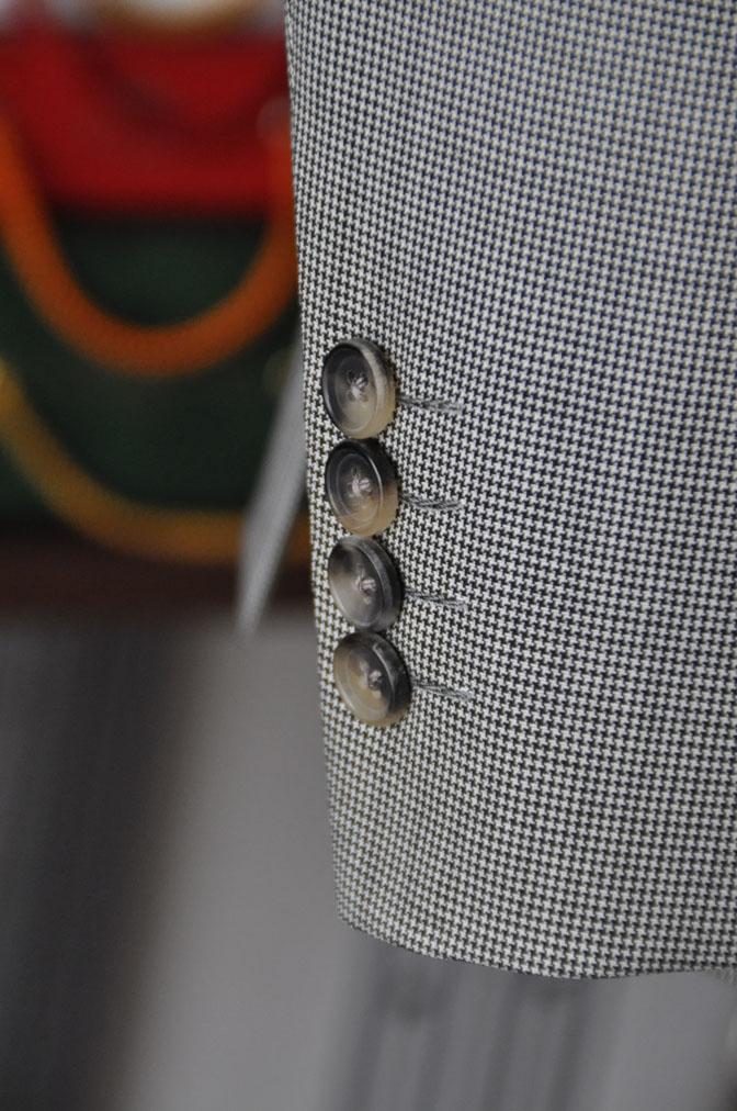 DSC26503 お客様のスーツの紹介-Biellesi グレー千鳥格子スリーピース- 名古屋の完全予約制オーダースーツ専門店DEFFERT