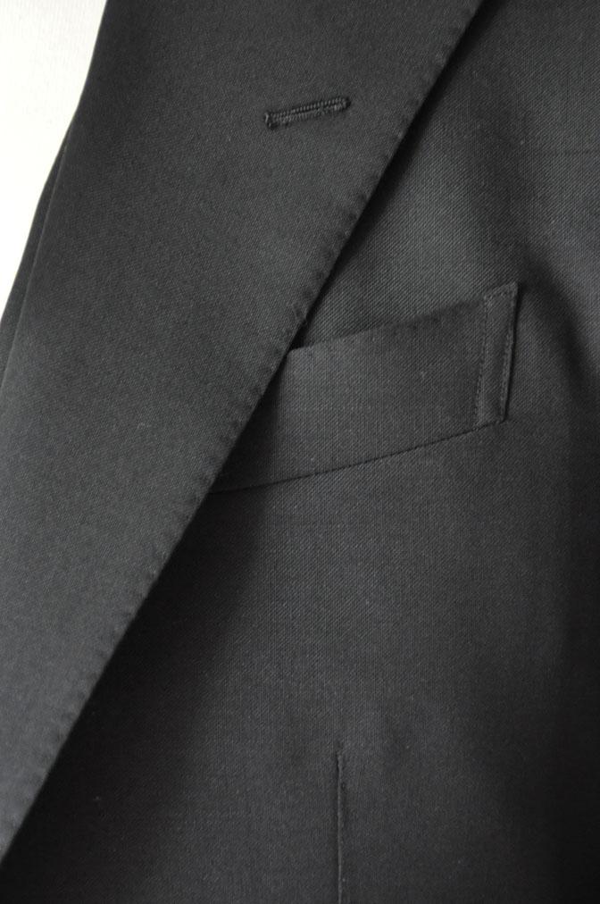 DSC26851 スーツの紹介-CANONICO wool mohair 無地ブラックスリーピース- 名古屋の完全予約制オーダースーツ専門店DEFFERT
