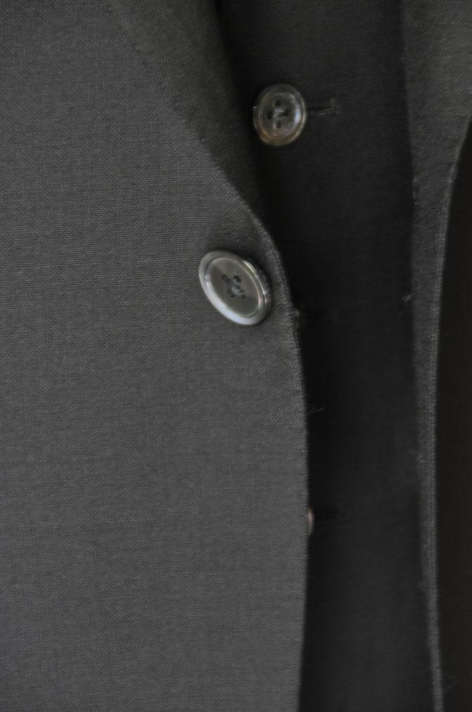 DSC26882 スーツの紹介-CANONICO wool mohair 無地ブラックスリーピース- 名古屋の完全予約制オーダースーツ専門店DEFFERT