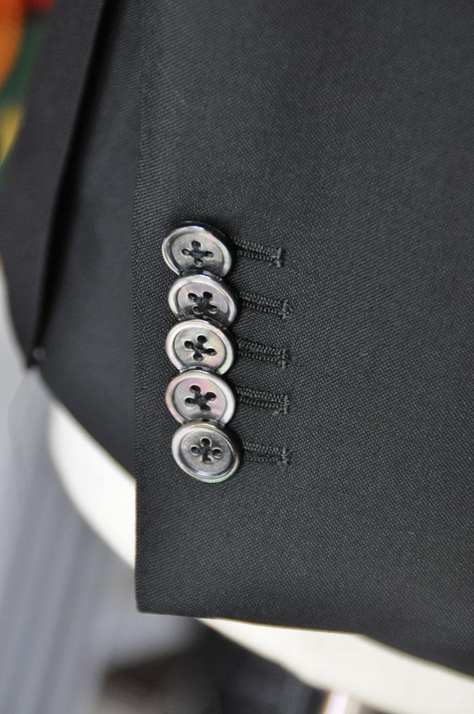 DSC26911 スーツの紹介-CANONICO wool mohair 無地ブラックスリーピース-