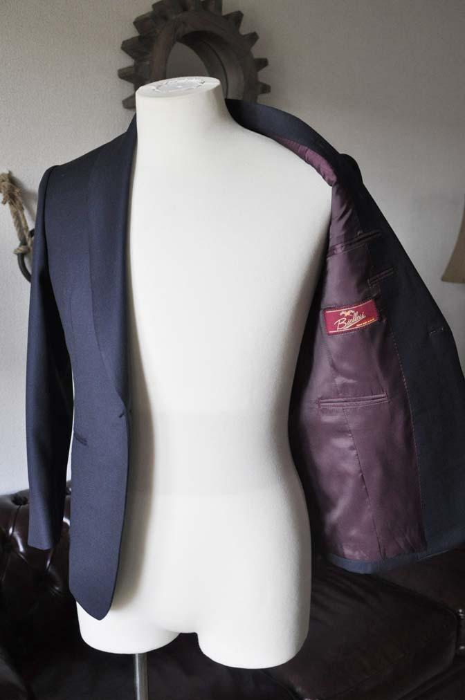 DSC26953 お客様のウエディング衣装の紹介- Biellesi ネイビーバーズアイ ショールカラースーツ-