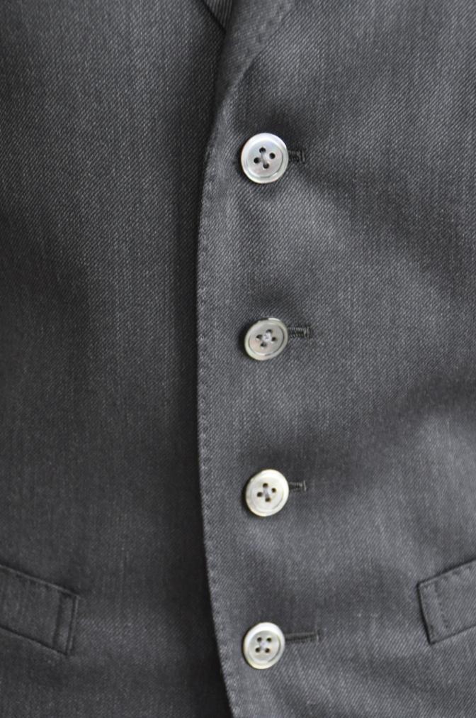 DSC27071 お客様のスーツの紹介-チャコールグレースリーピース-