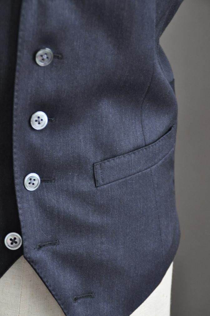 DSC2708 お客様のスーツの紹介-チャコールグレースリーピース-