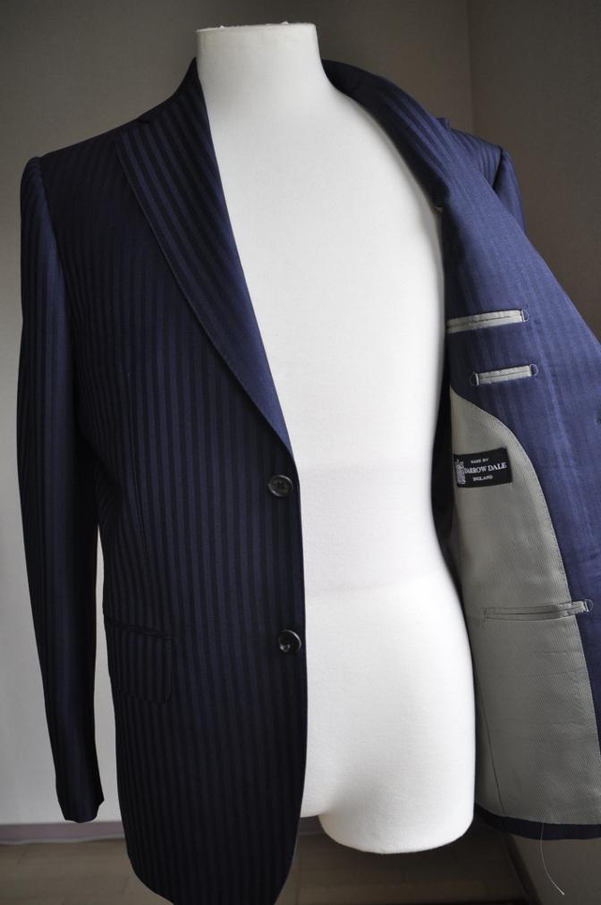DSC27101 お客様のスーツの紹介-DARROW DALE ネイビーシャドウストライプ-