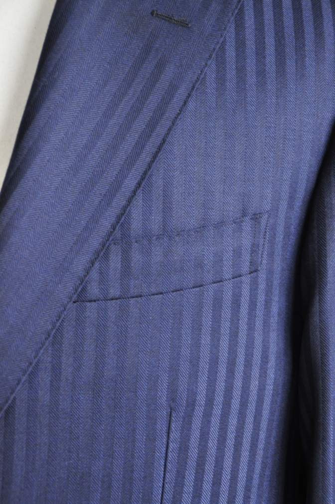 DSC2714 お客様のスーツの紹介-DARROW DALE ネイビーシャドウストライプ-