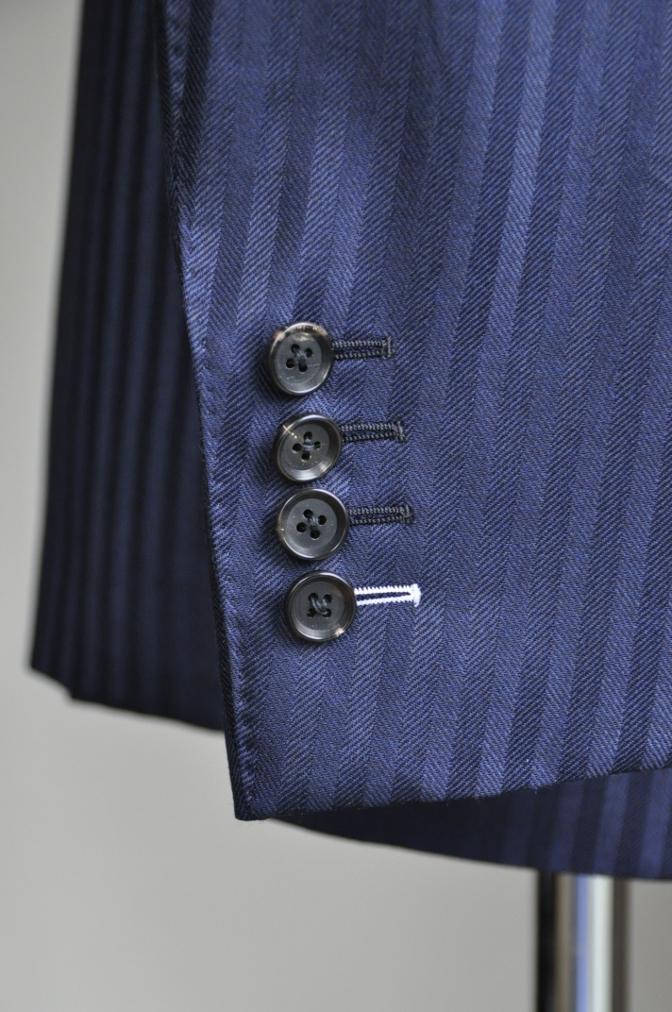DSC2717 お客様のスーツの紹介-DARROW DALE ネイビーシャドウストライプ- 名古屋の完全予約制オーダースーツ専門店DEFFERT
