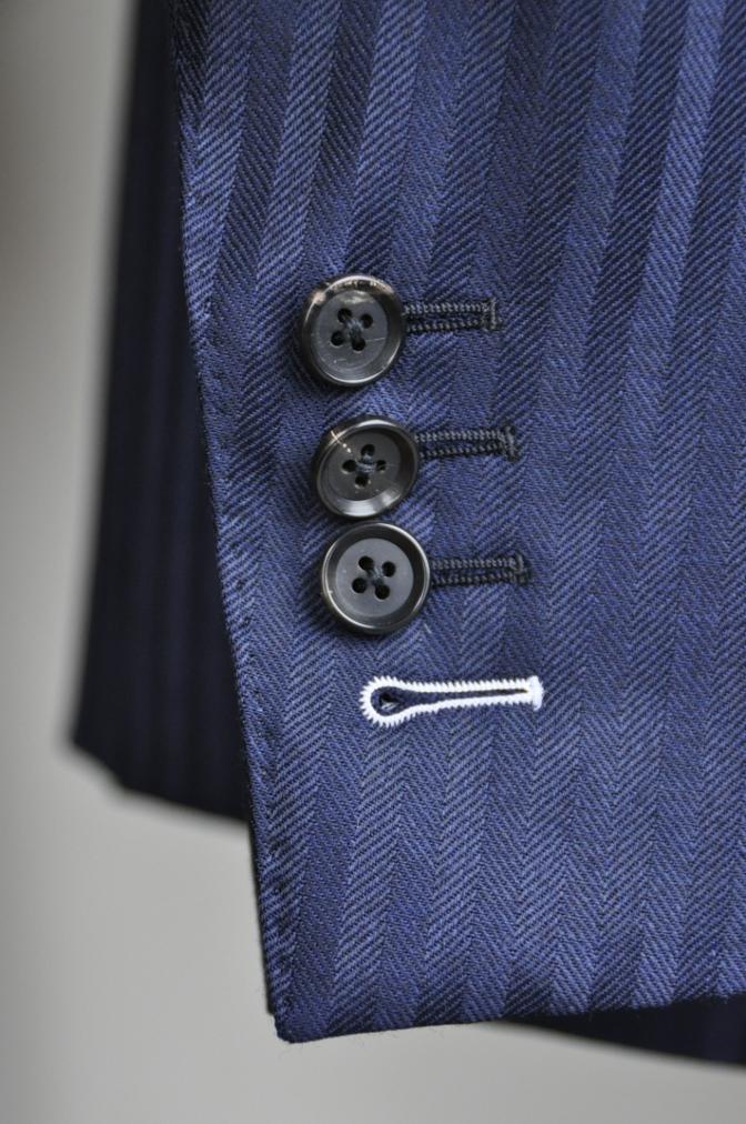 DSC2718 お客様のスーツの紹介-DARROW DALE ネイビーシャドウストライプ- 名古屋の完全予約制オーダースーツ専門店DEFFERT