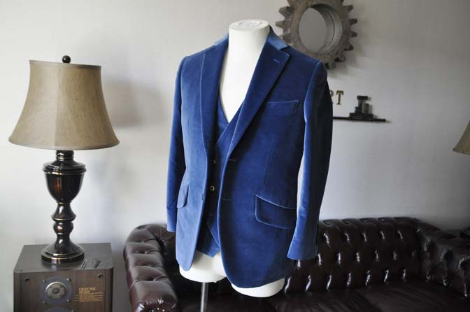 DSC2722-1 お客様のパーティー用スーツの紹介- NIEDIECK ネイビーベルベットスリーピース- 名古屋の完全予約制オーダースーツ専門店DEFFERT
