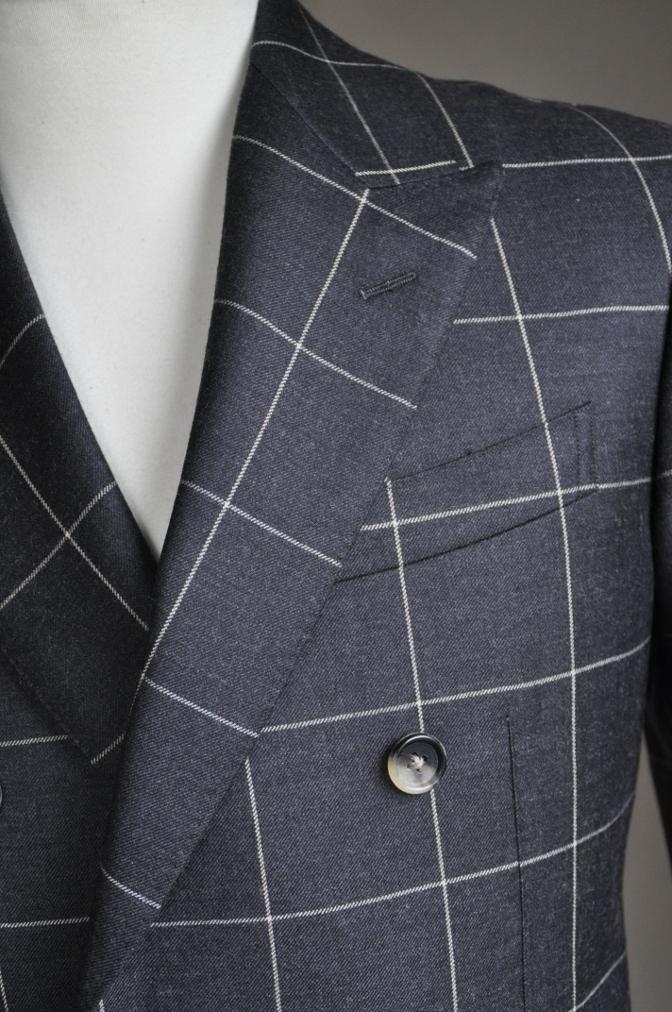 DSC2725 スーツの紹介-チャコールグレーウインドペーンダブルスーツ-