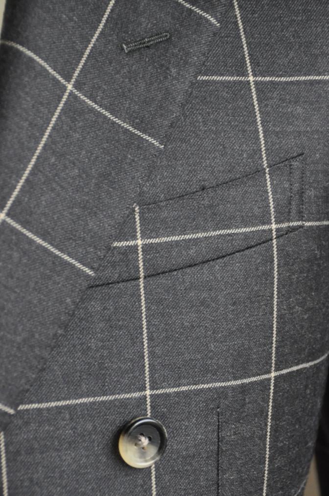 DSC2727 スーツの紹介-チャコールグレーウインドペーンダブルスーツ-