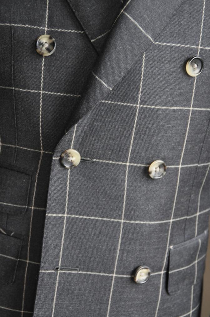 DSC2728 スーツの紹介-チャコールグレーウインドペーンダブルスーツ-
