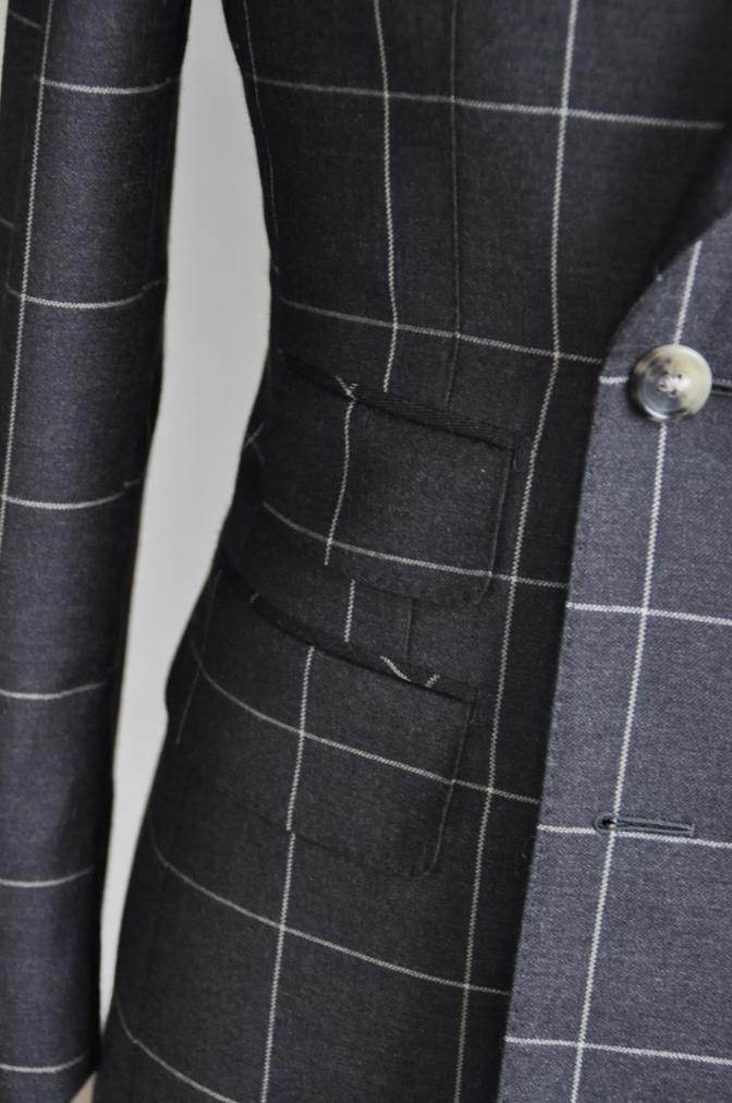 DSC2730 スーツの紹介-チャコールグレーウインドペーンダブルスーツ-